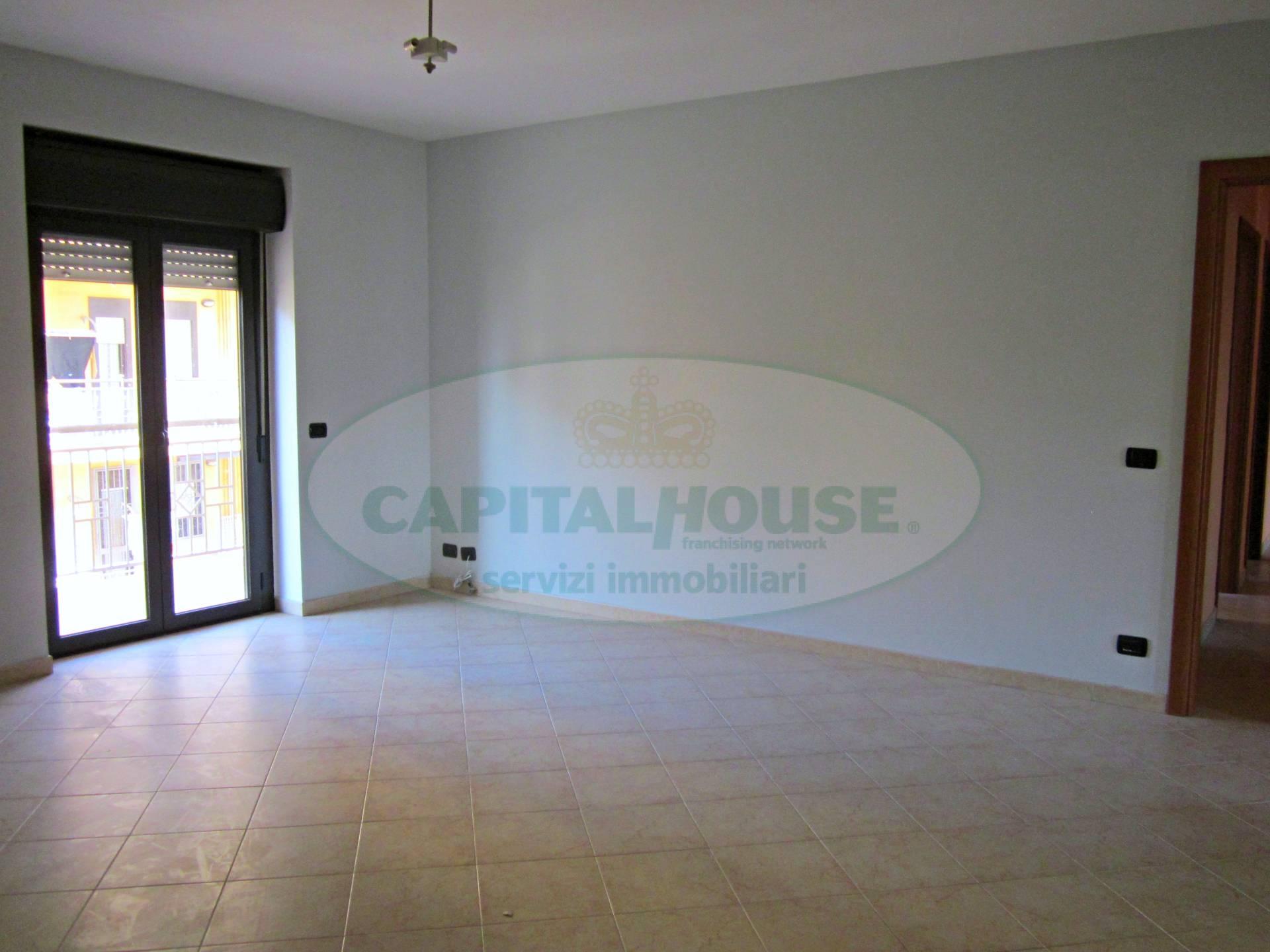 Appartamento in affitto a San Nicola la Strada, 4 locali, zona Località: Michitto, prezzo € 500 | Cambio Casa.it