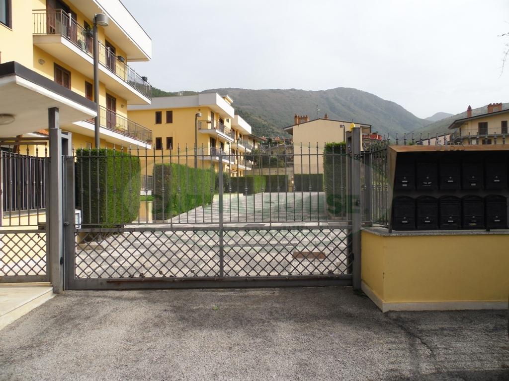 Appartamento in vendita a Sirignano, 4 locali, prezzo € 155.000 | Cambio Casa.it