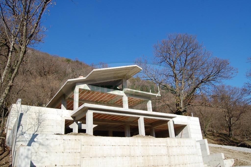 Villa in vendita a Monteforte Irpino, 4 locali, prezzo € 160.000 | Cambio Casa.it