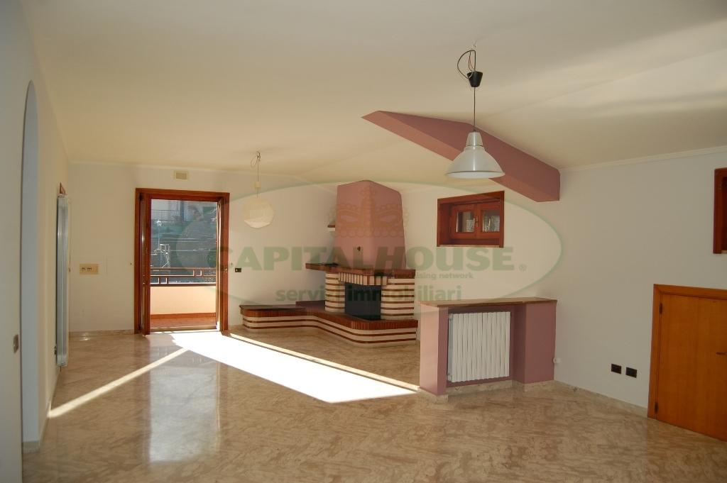 Appartamento in affitto a Monteforte Irpino, 4 locali, zona Località: AldoMoro, prezzo € 400 | Cambio Casa.it