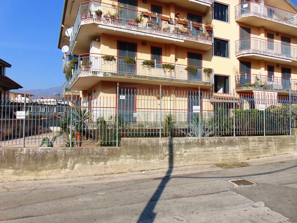 Appartamento in vendita a Sirignano, 3 locali, prezzo € 135.000   Cambio Casa.it