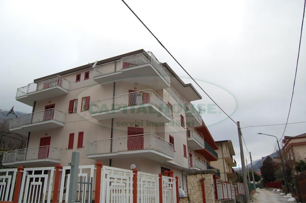 Appartamento in affitto a Monteforte Irpino, 6 locali, zona Località: Centro, prezzo € 500 | Cambio Casa.it
