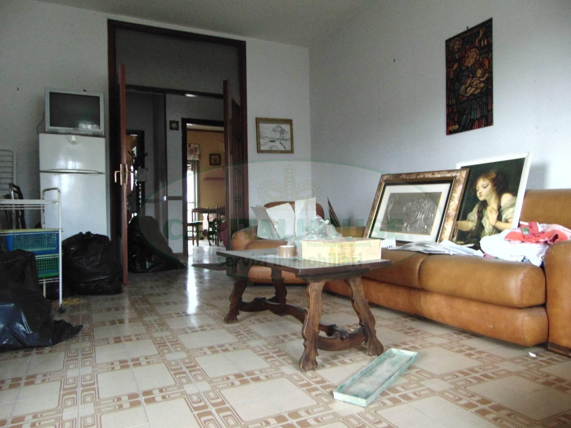 Appartamento in vendita a Santa Maria Capua Vetere, 4 locali, prezzo € 100.000   CambioCasa.it