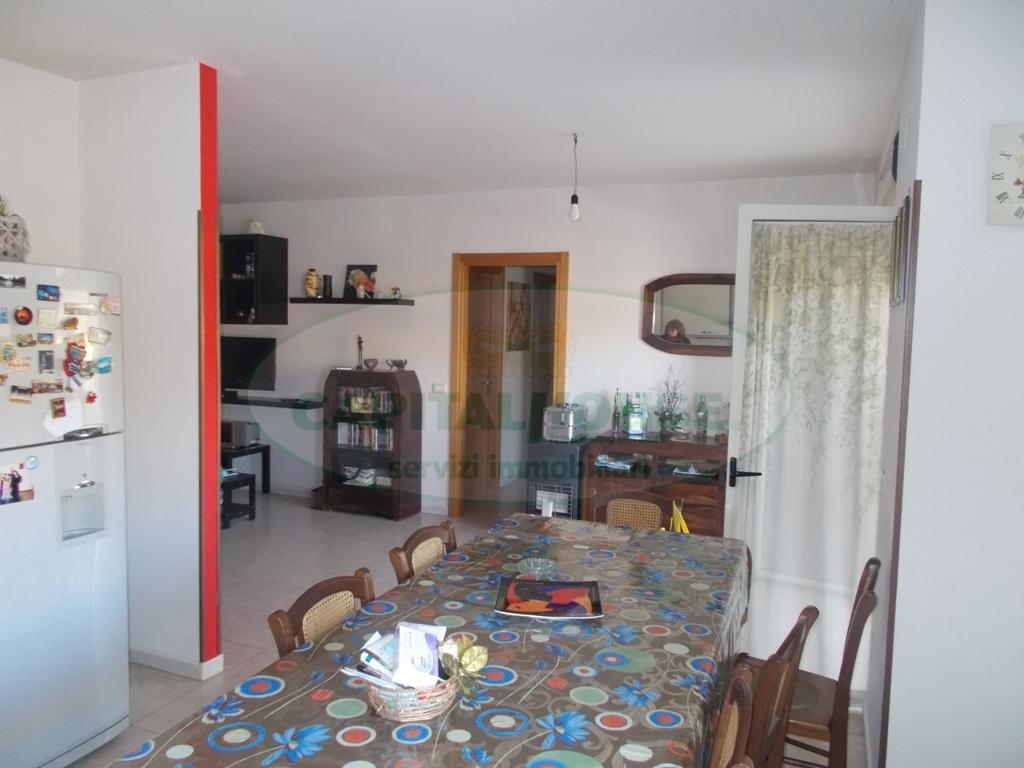 Appartamento in vendita a San Prisco, 4 locali, zona Località: ZonaViaStellato, prezzo € 136.000   CambioCasa.it