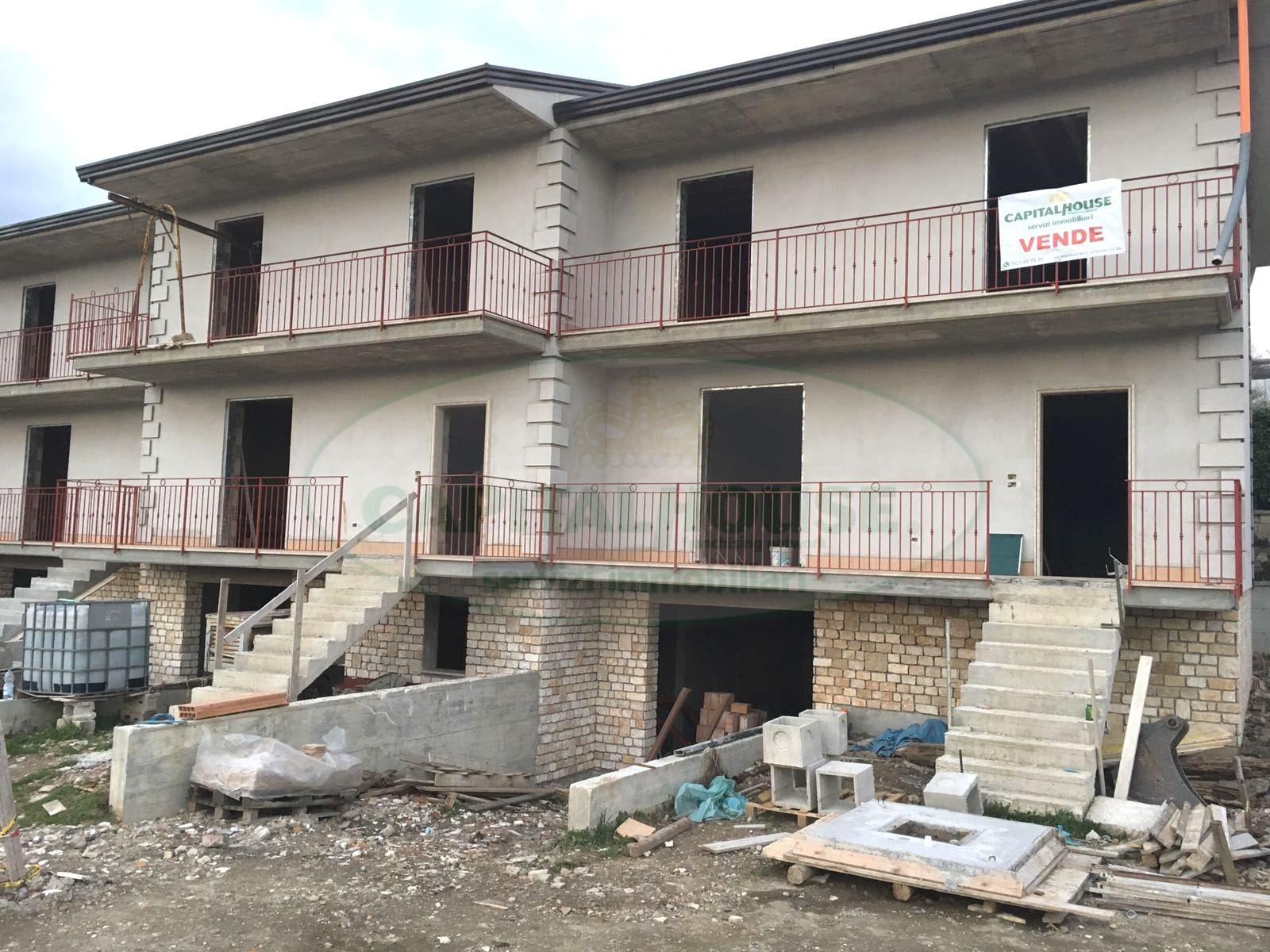 Villa a Schiera in vendita a Santo Stefano del Sole, 4 locali, prezzo € 185.000 | CambioCasa.it