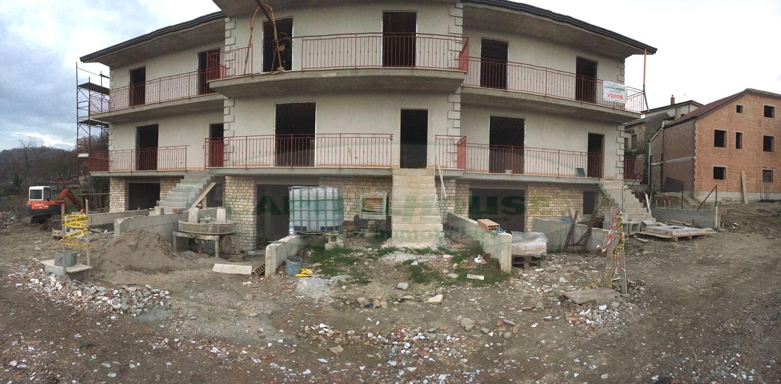 Villa a Schiera in vendita a Santo Stefano del Sole, 4 locali, prezzo € 270.000 | CambioCasa.it