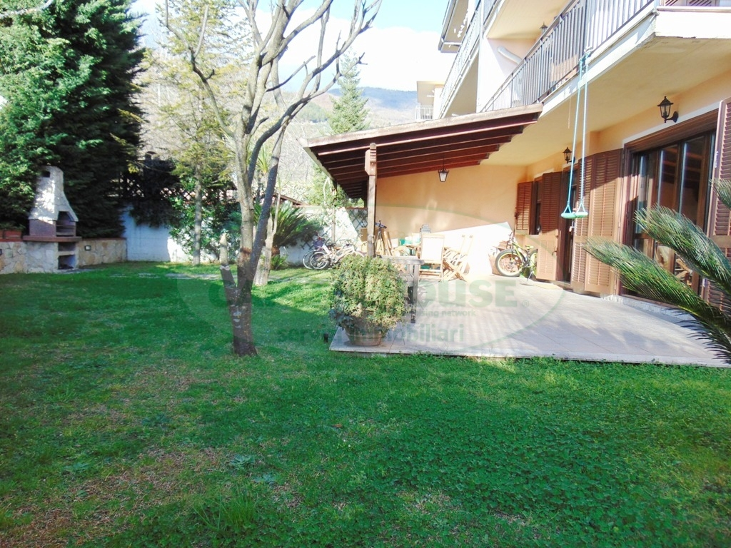 Appartamento in vendita a Sirignano, 4 locali, prezzo € 185.000 | CambioCasa.it
