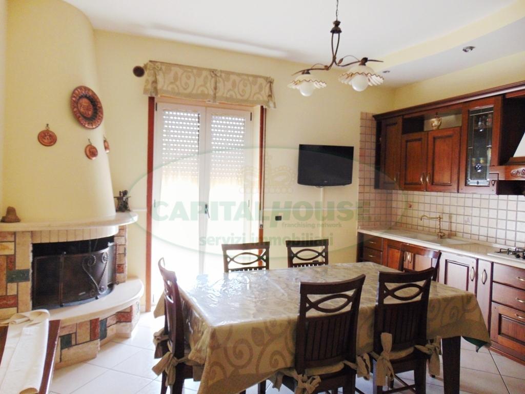 Appartamento in vendita a Sirignano, 3 locali, prezzo € 110.000 | CambioCasa.it