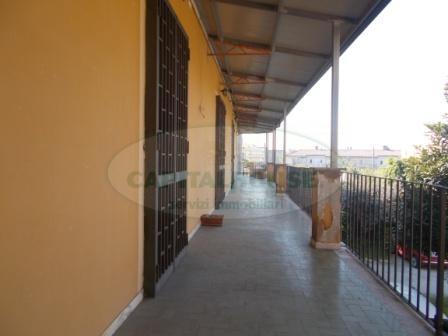 Appartamento in affitto a San Prisco, 3 locali, zona Località: ZonaCentrale, prezzo € 320 | CambioCasa.it