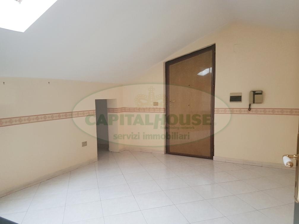 Attico / Mansarda in affitto a Marcianise, 3 locali, prezzo € 400 | CambioCasa.it