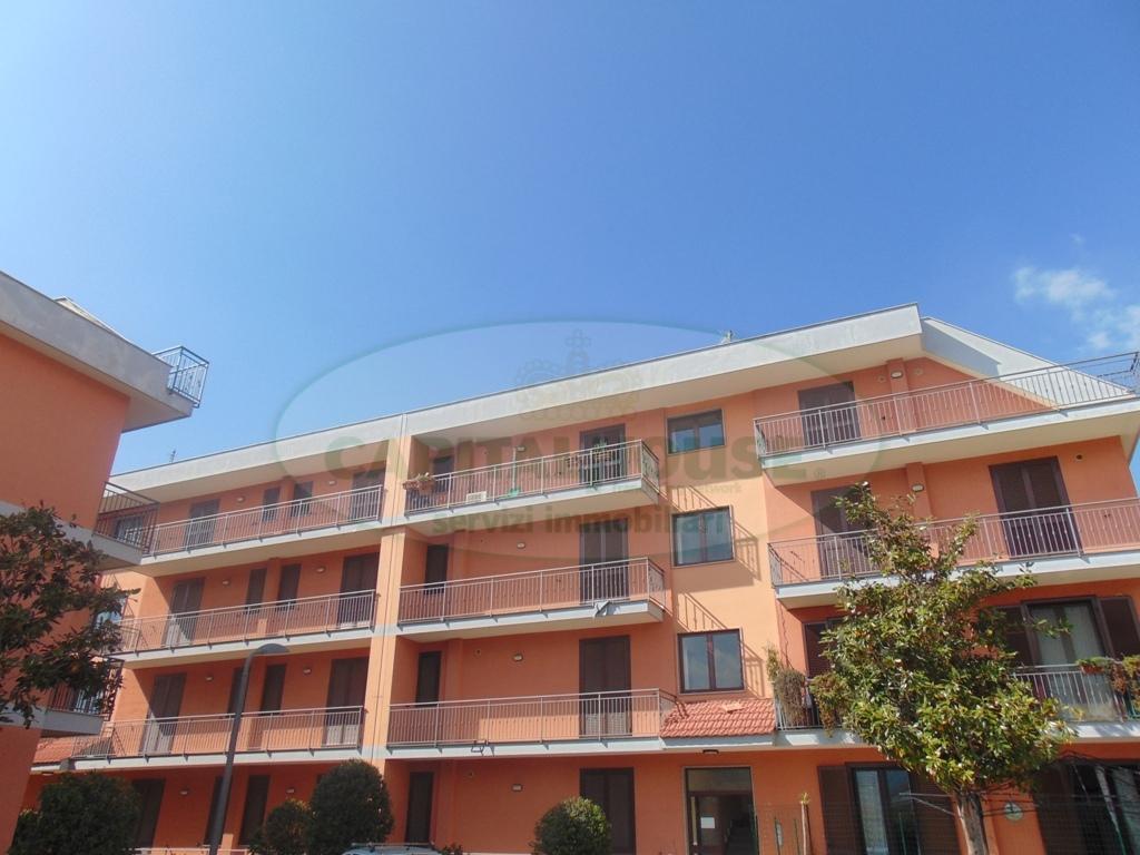 Appartamento in vendita a Sirignano, 2 locali, prezzo € 60.000 | CambioCasa.it