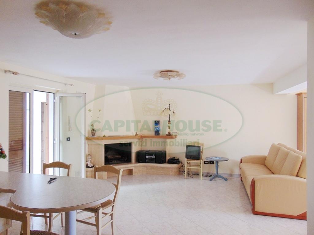 Appartamento in vendita a Sirignano, 4 locali, prezzo € 178.000 | CambioCasa.it