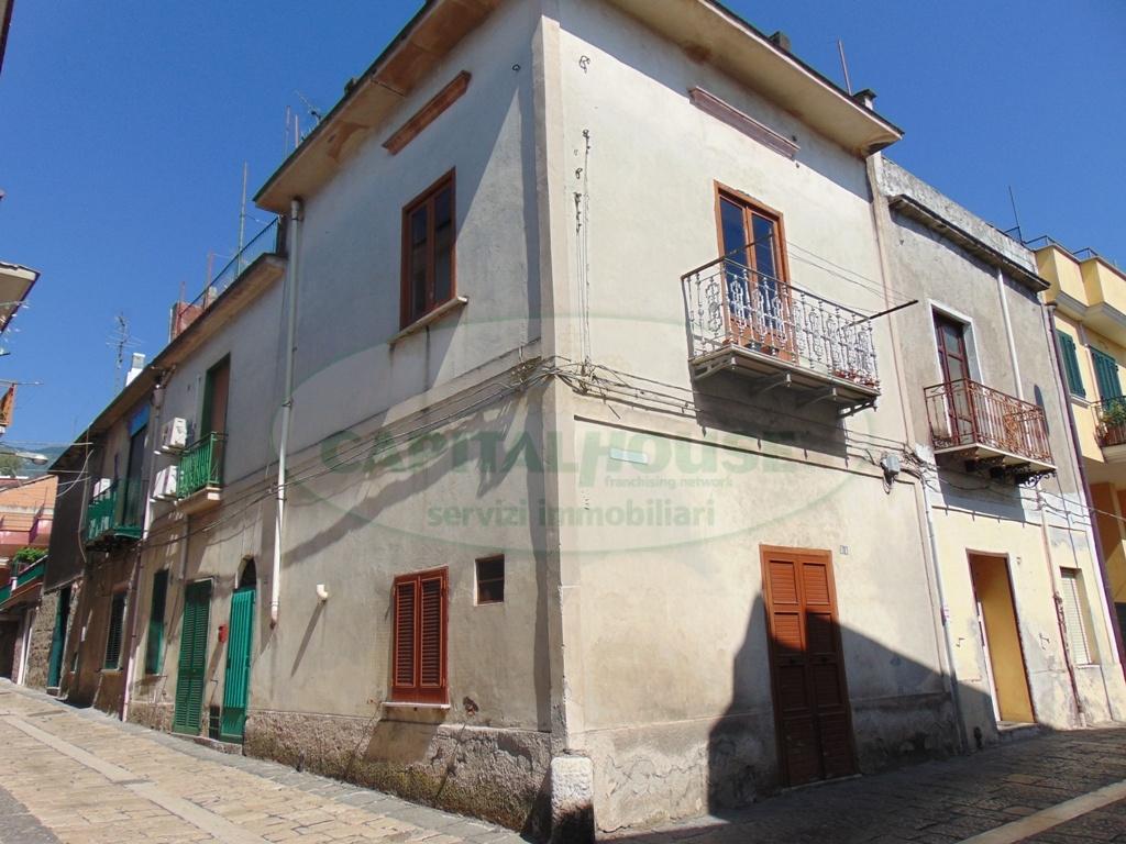 Soluzione Semindipendente in vendita a Baiano, 4 locali, prezzo € 68.000 | CambioCasa.it
