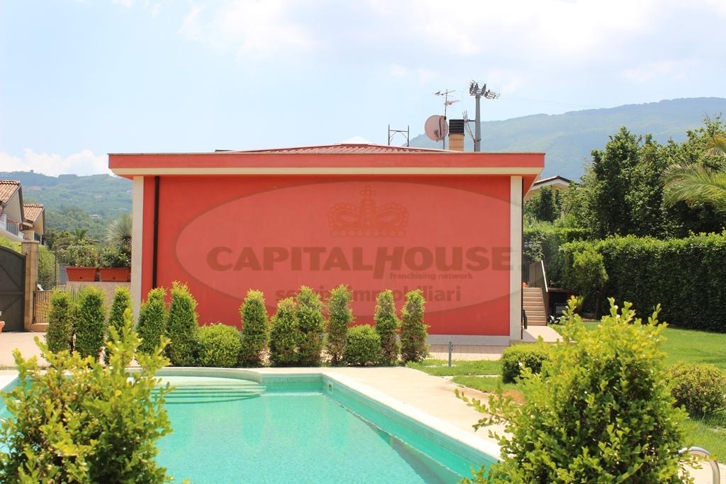 Villa in vendita a Monteforte Irpino, 4 locali, zona Località: Molinelle, prezzo € 420.000 | CambioCasa.it