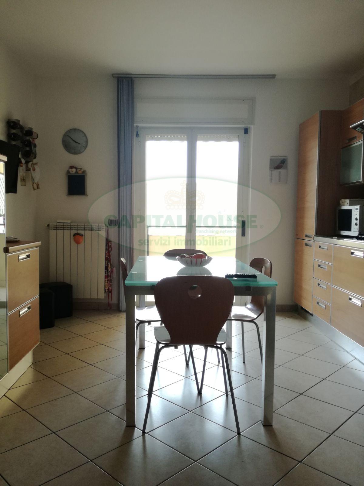 Appartamento in vendita a San Prisco, 3 locali, zona Località: ZonaPiscina, prezzo € 175.000   CambioCasa.it