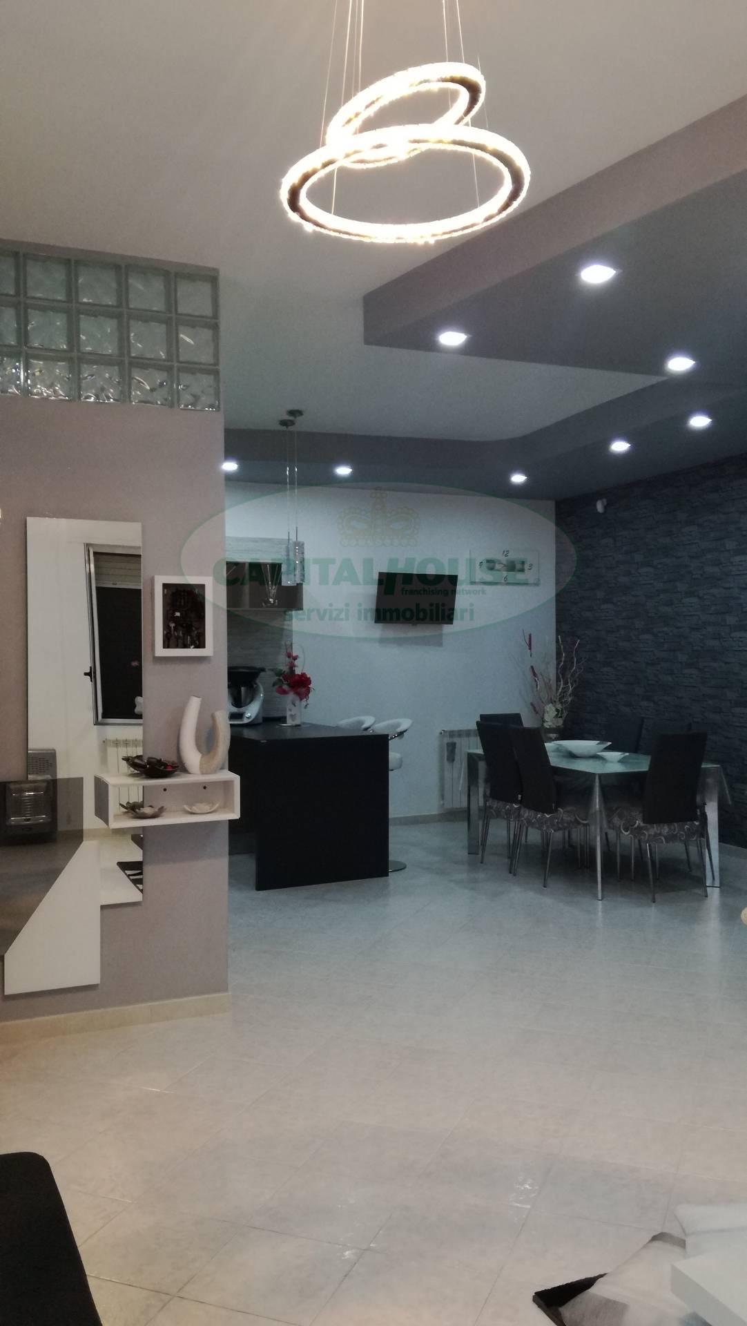 Appartamento in vendita a Macerata Campania, 4 locali, zona Zona: Casalba, prezzo € 115.000 | CambioCasa.it