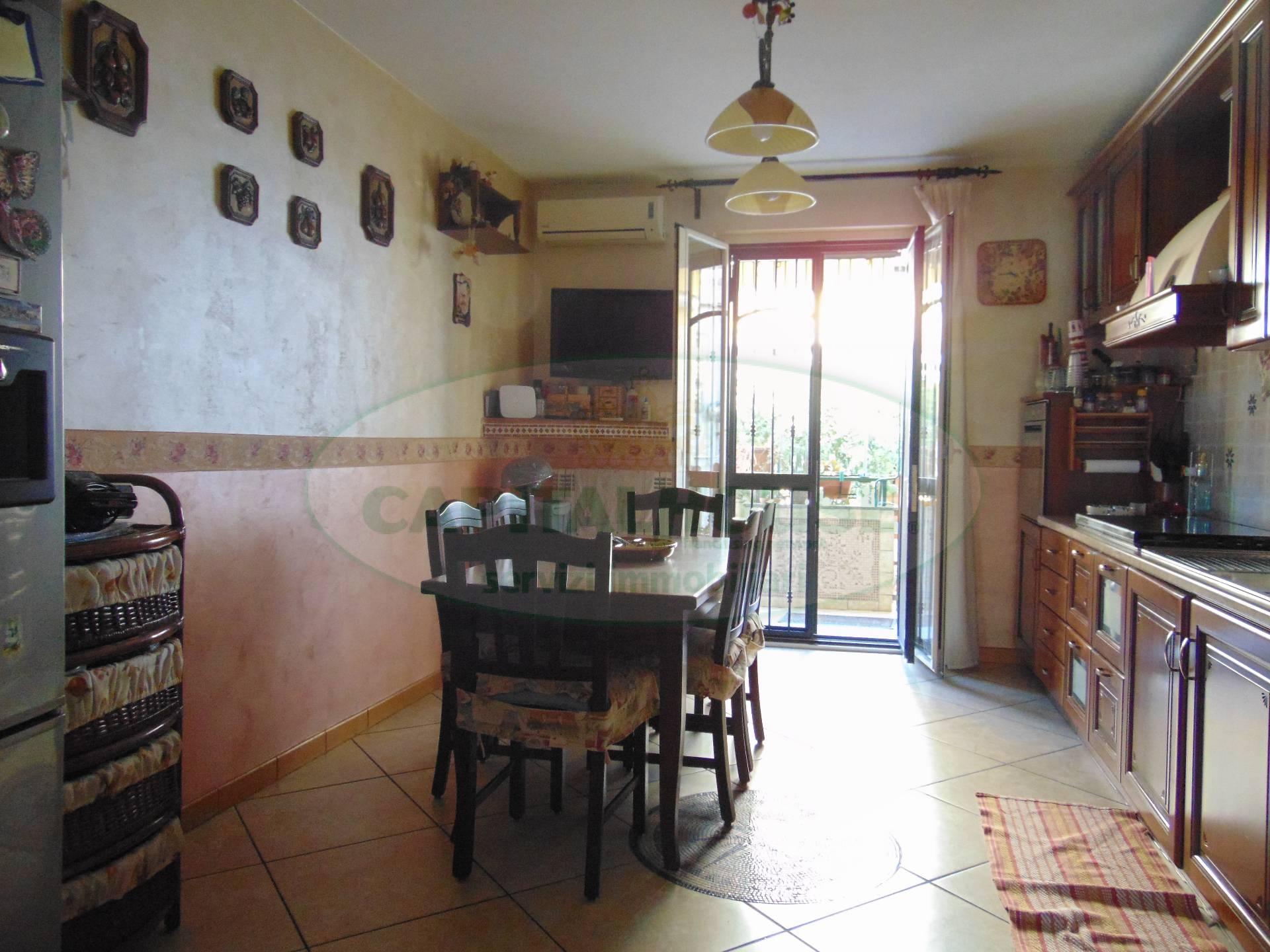 Appartamento in vendita a San Prisco, 3 locali, zona Località: ZonaViaStellato, prezzo € 146.000 | CambioCasa.it