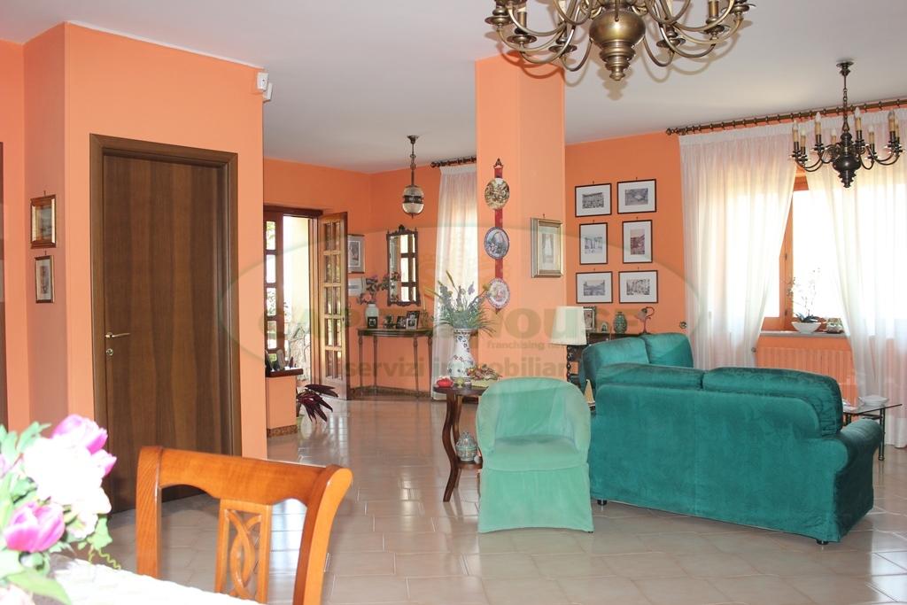Villa in vendita a Monteforte Irpino, 5 locali, zona Zona: Alvanella, prezzo € 280.000 | CambioCasa.it