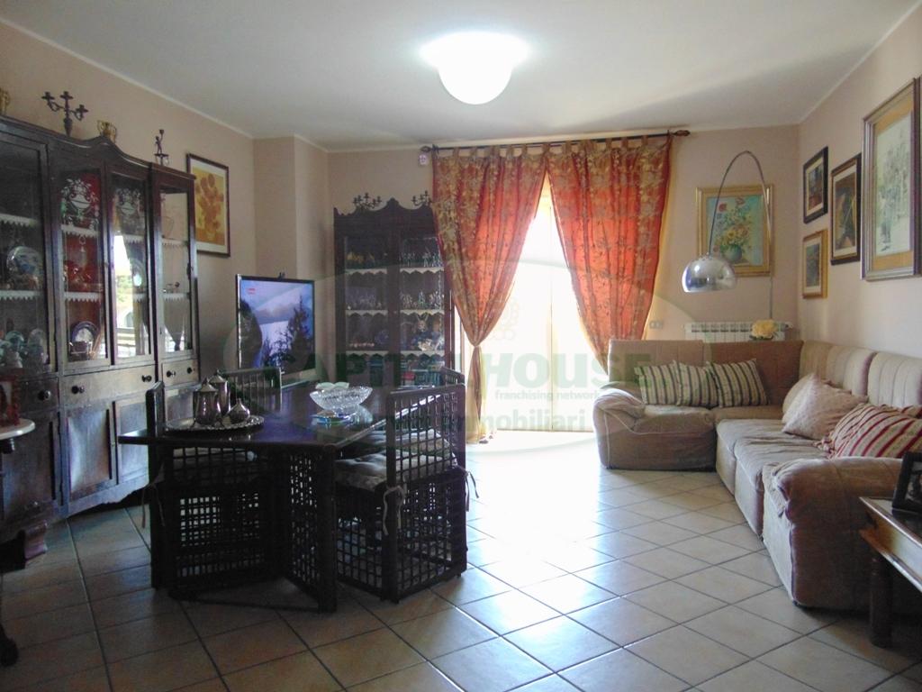 Appartamento in vendita a San Prisco, 4 locali, zona Località: ZonaPiscina, prezzo € 230.000 | CambioCasa.it