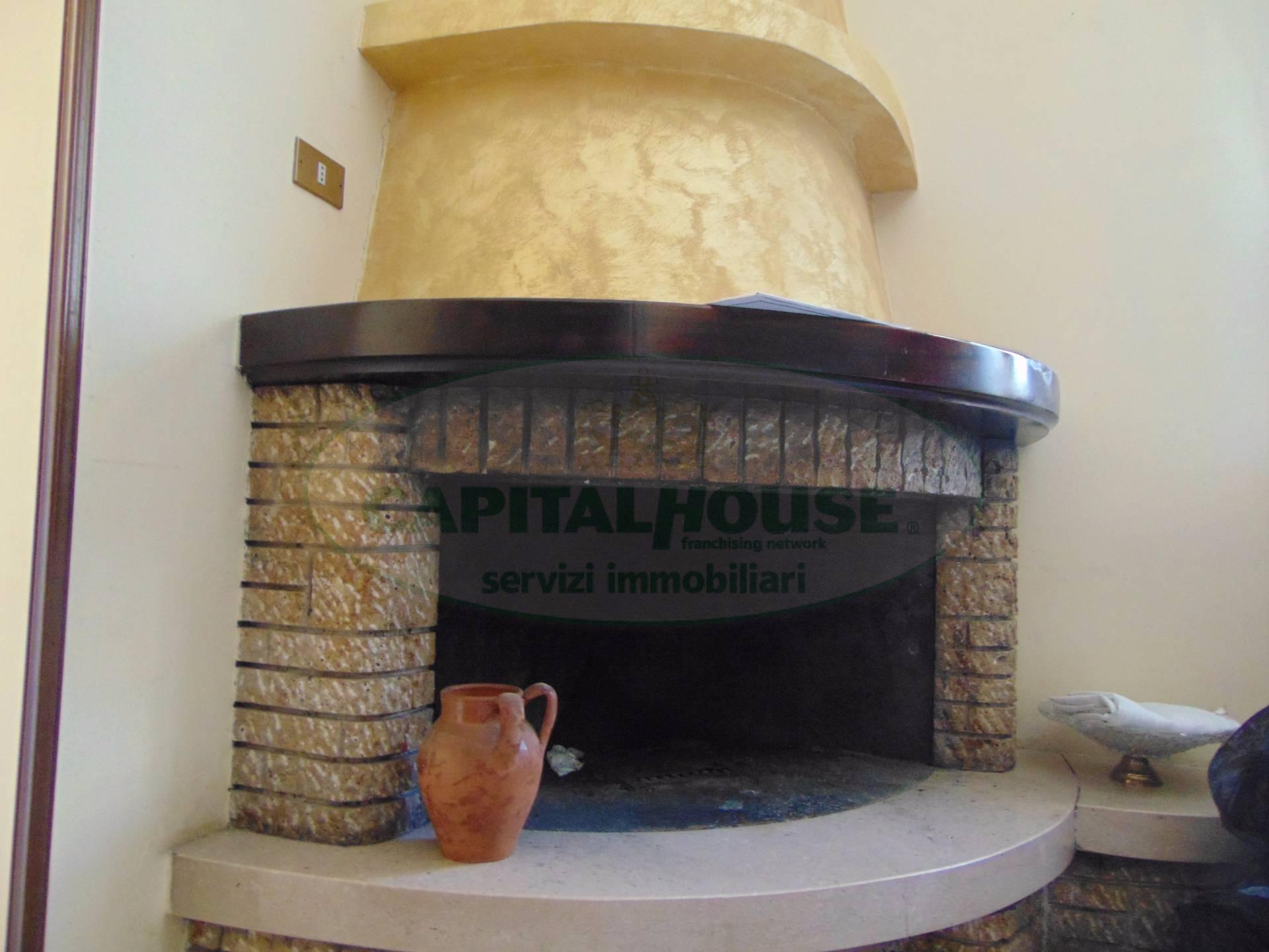 Soluzione Indipendente in affitto a Casapulla, 4 locali, prezzo € 450 | CambioCasa.it