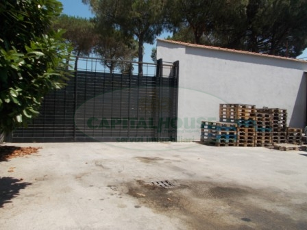 Negozio / Locale in affitto a Casapulla, 9999 locali, Trattative riservate | CambioCasa.it