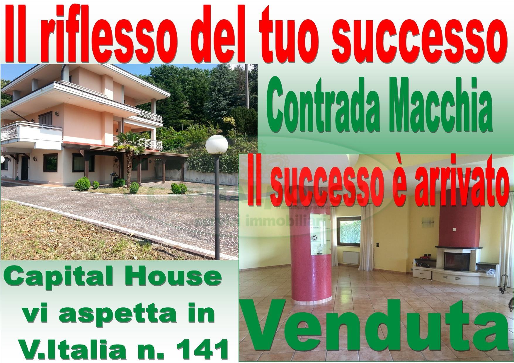 Villa in vendita a Avellino, 9 locali, zona Località: Contrada, Trattative riservate | CambioCasa.it