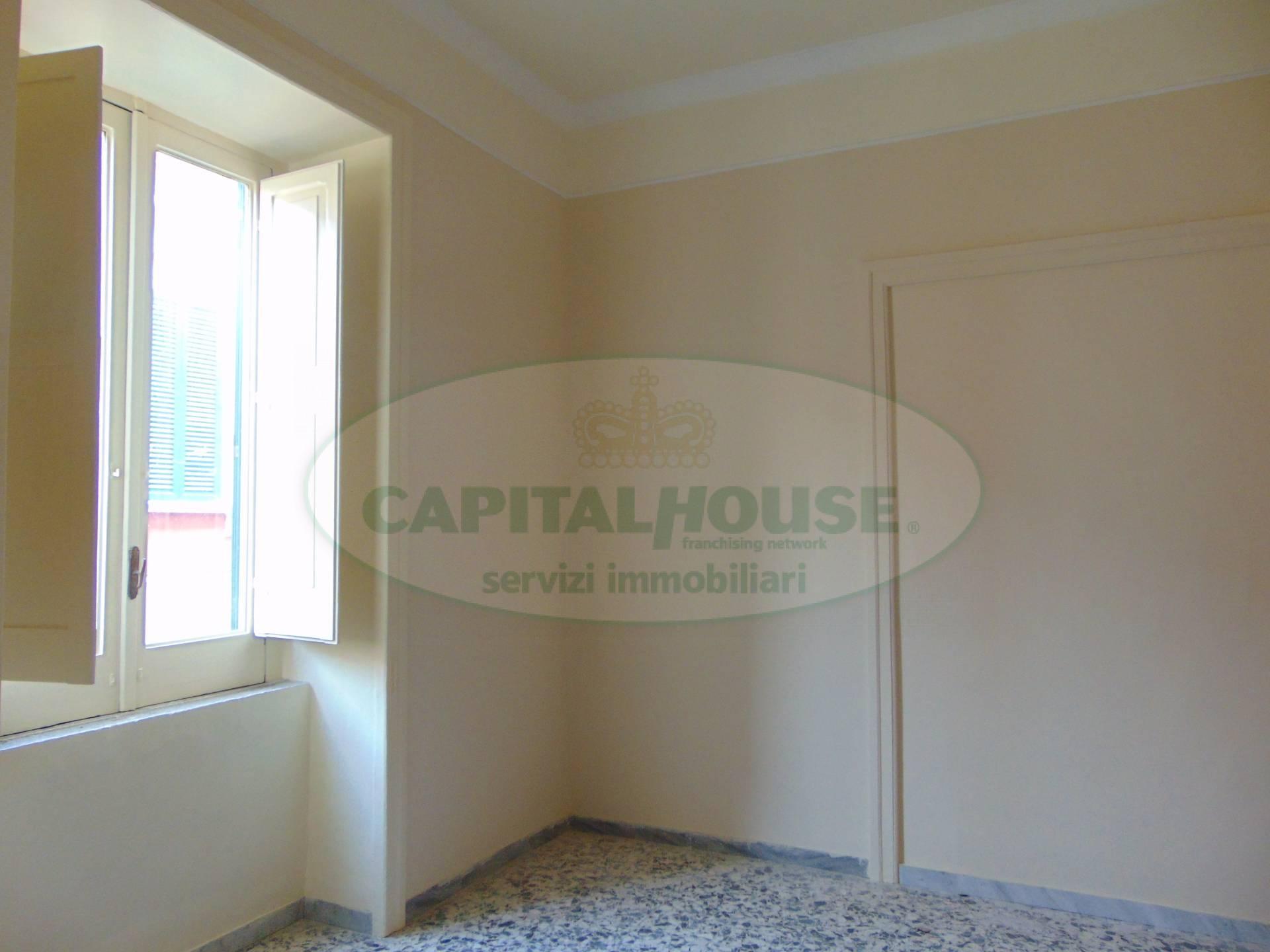 Soluzione Indipendente in affitto a Curti, 5 locali, prezzo € 700 | CambioCasa.it