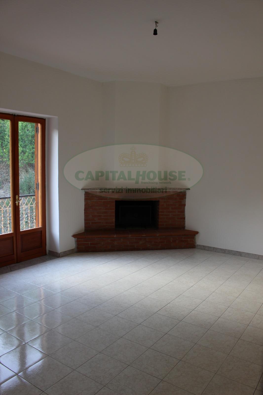 Appartamento in affitto a Capriglia Irpina, 3 locali, prezzo € 300 | CambioCasa.it