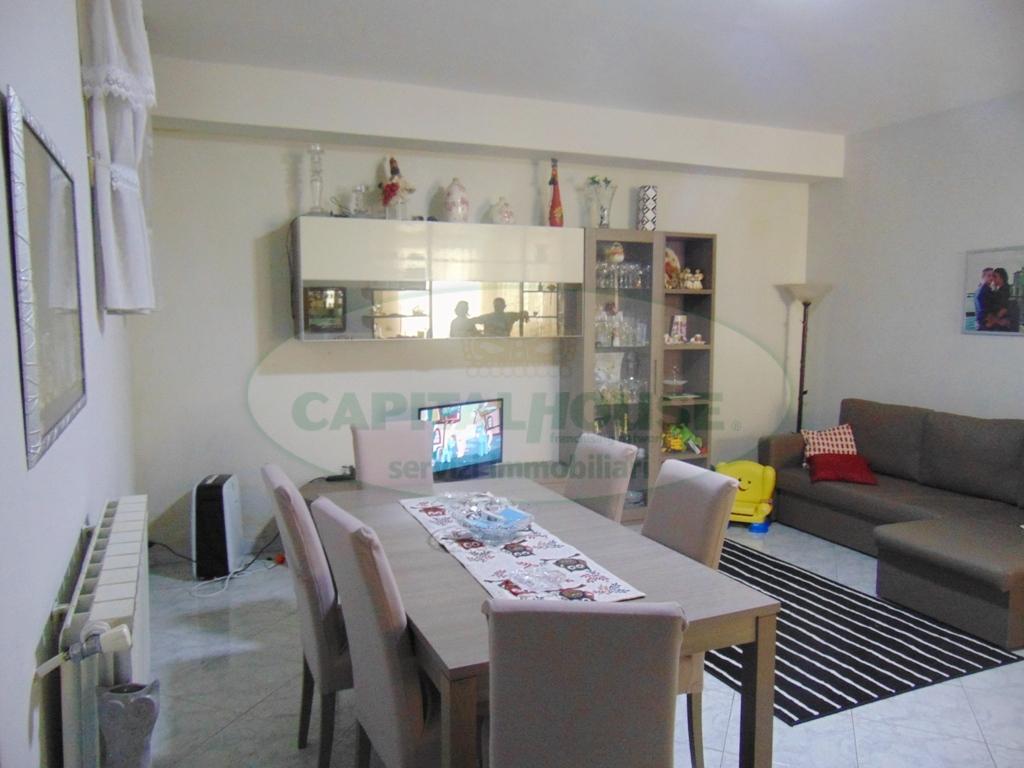 Appartamento in vendita a Sirignano, 3 locali, prezzo € 75.000 | CambioCasa.it