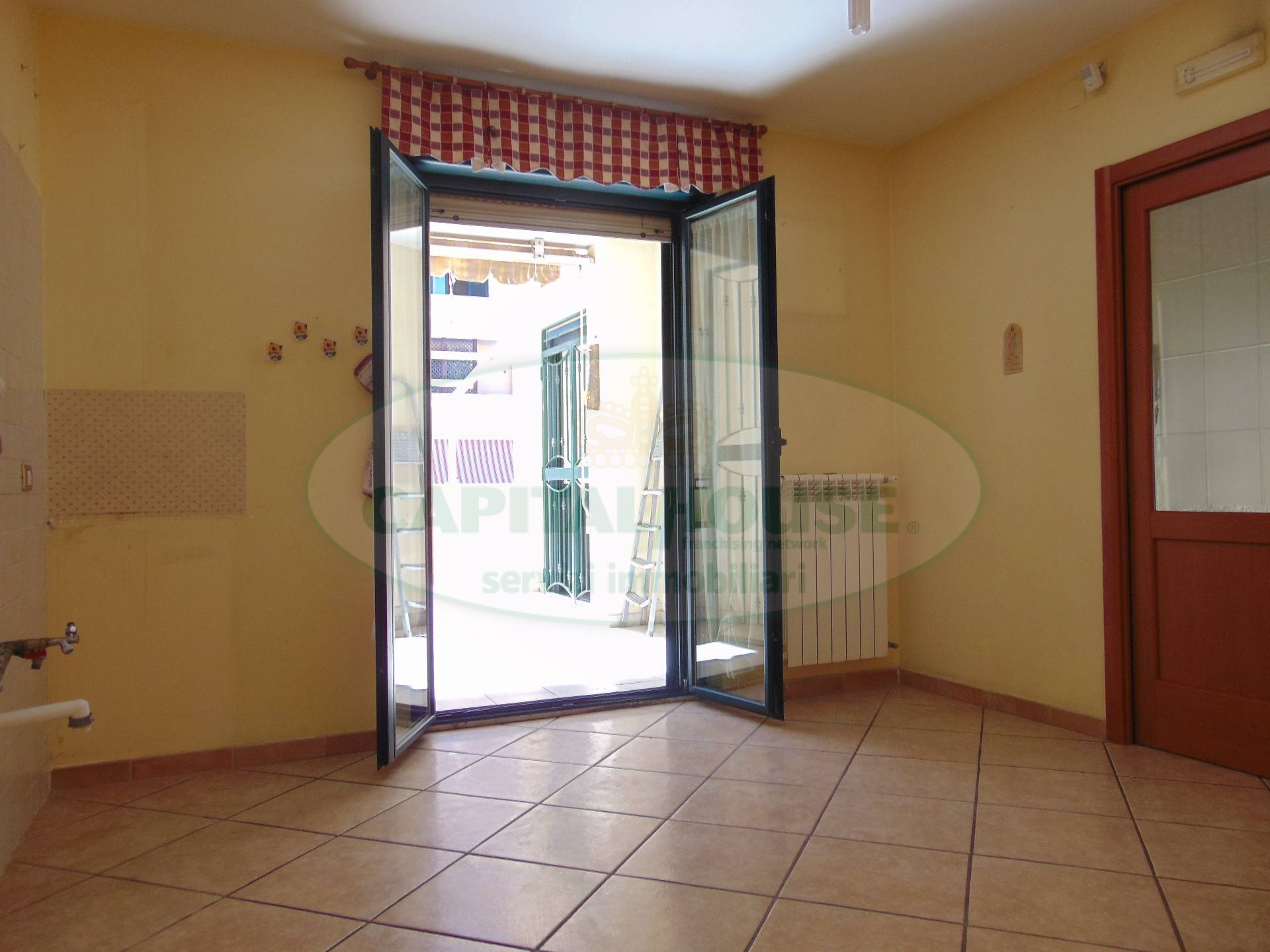 Appartamento in vendita a San Prisco, 4 locali, zona Località: ZonaPiscina, prezzo € 189.000   CambioCasa.it