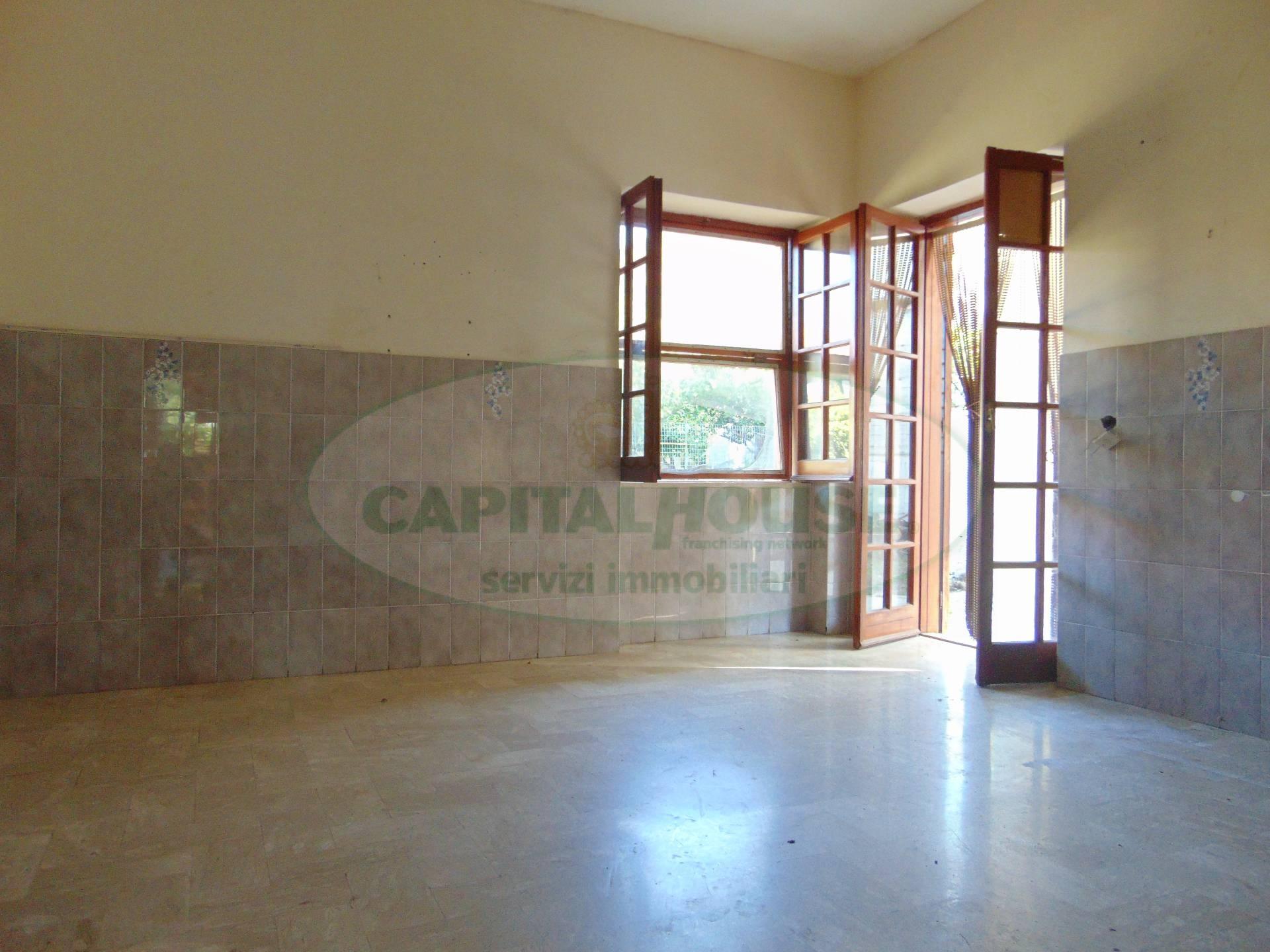 Soluzione Indipendente in vendita a Capua, 4 locali, zona Località: S.AngeloinFormis, prezzo € 248.000 | CambioCasa.it