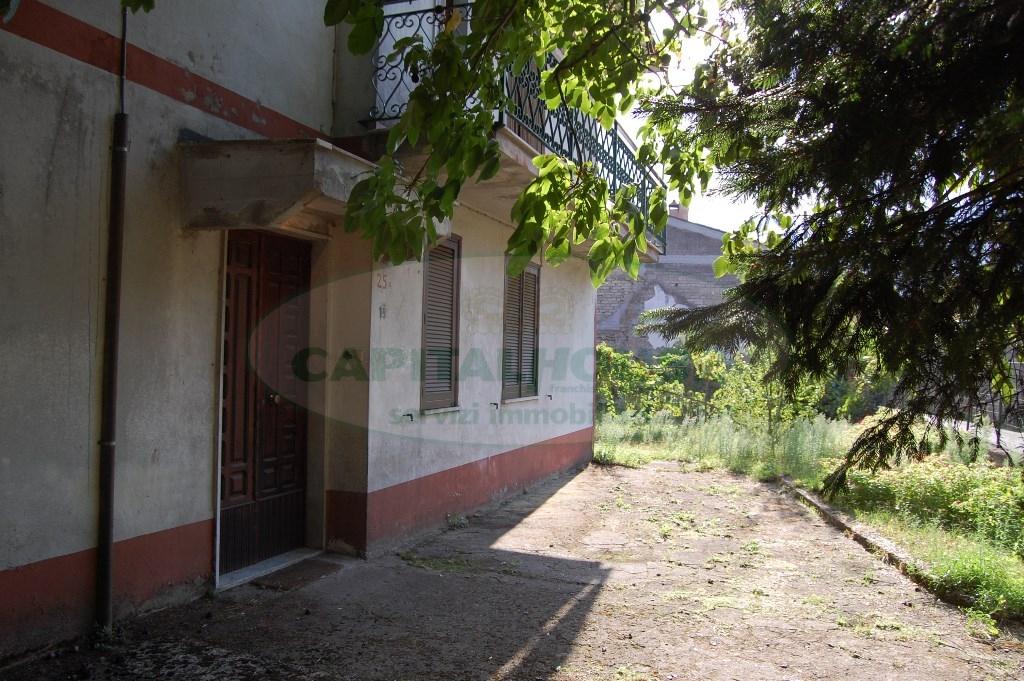 Villa in vendita a Monteforte Irpino, 8 locali, zona Località: TavernaCampanile, prezzo € 160.000 | CambioCasa.it