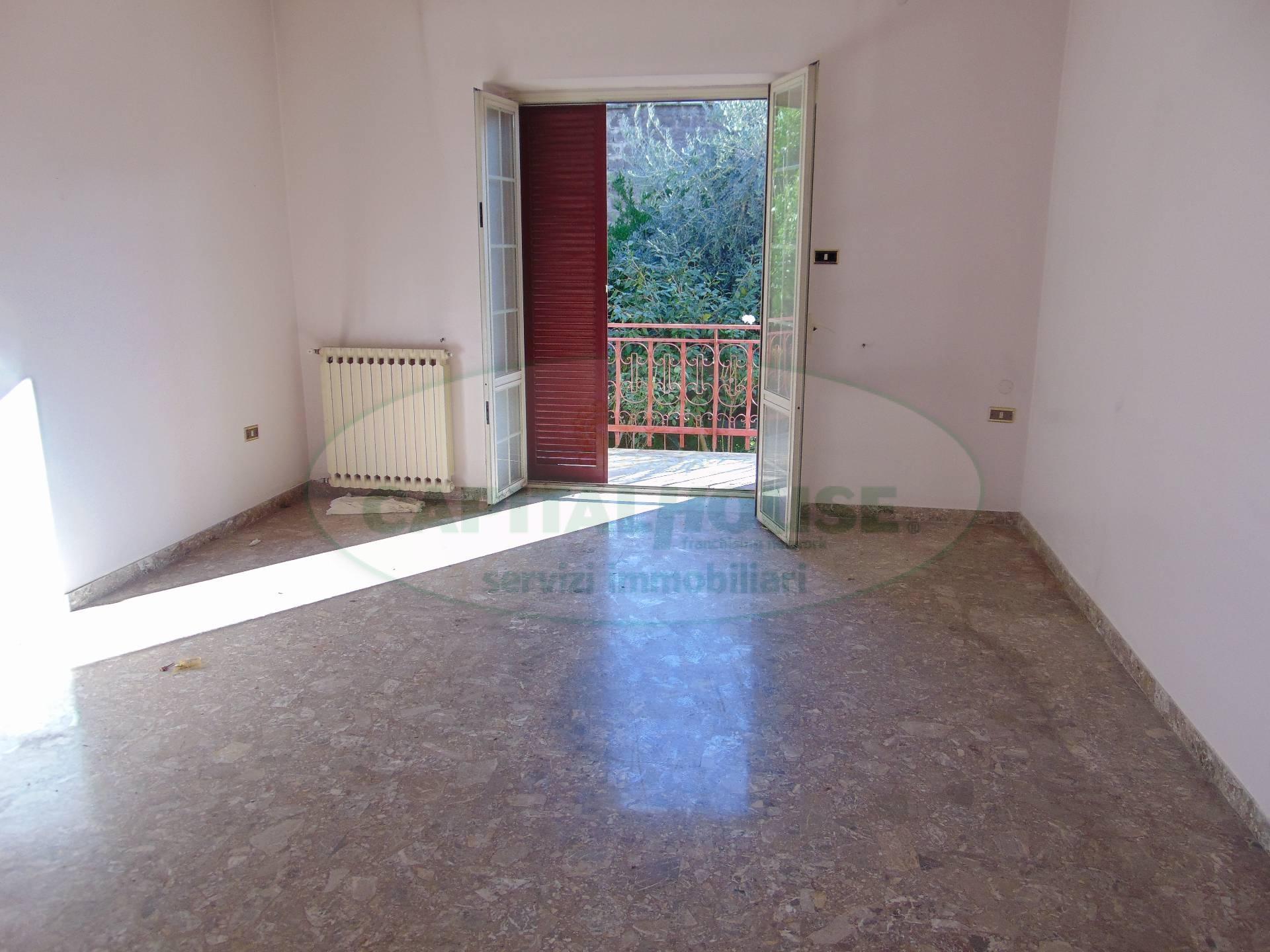 Villa in vendita a Santa Maria Capua Vetere, 3 locali, zona Località: Zonanuova, prezzo € 325.000   CambioCasa.it