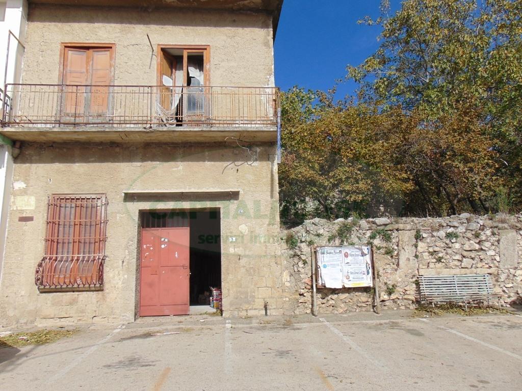 Soluzione Indipendente in vendita a Avella, 3 locali, prezzo € 83.000 | CambioCasa.it