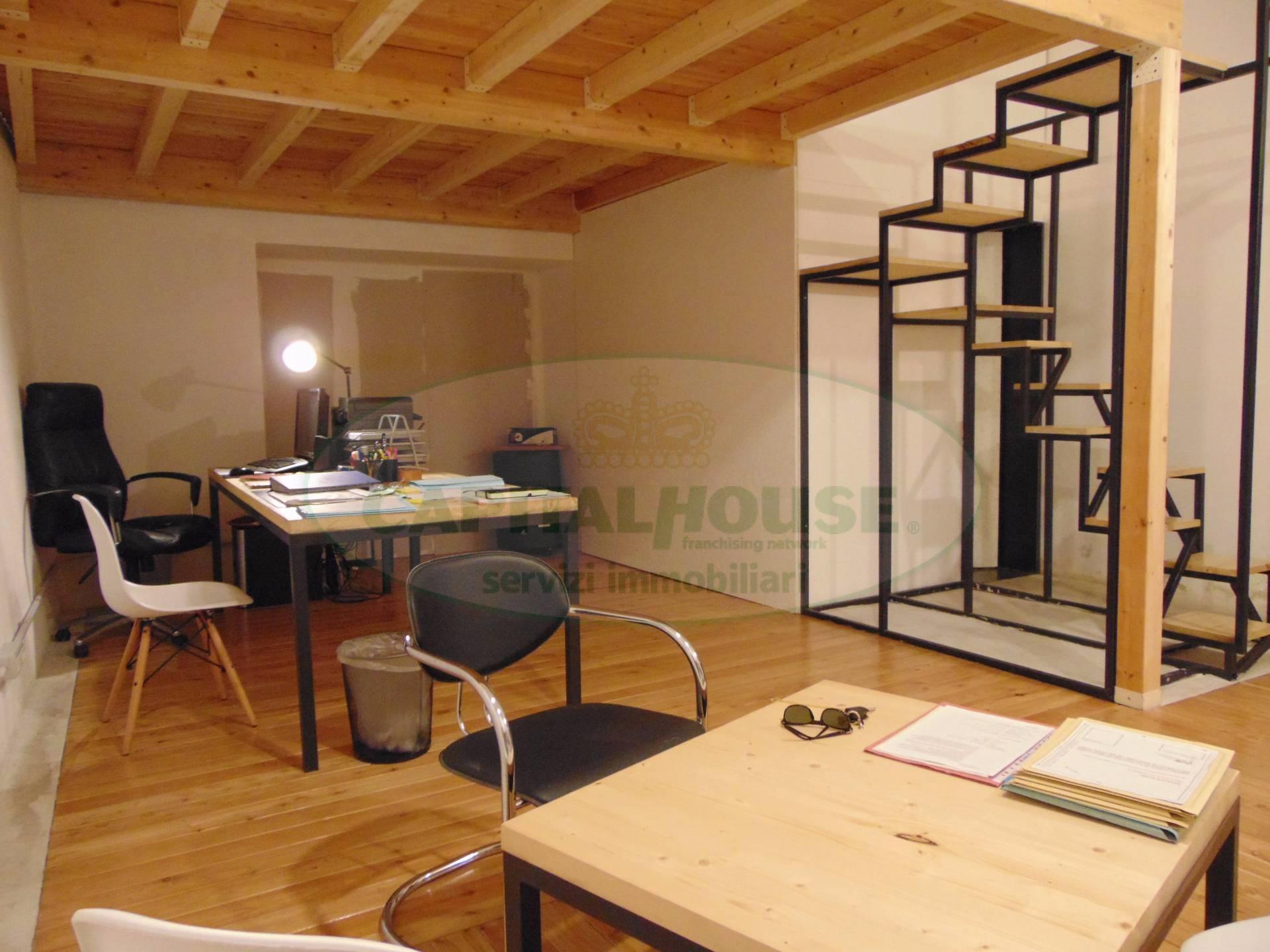 Magazzino in vendita a Capua, 9999 locali, prezzo € 55.000 | CambioCasa.it