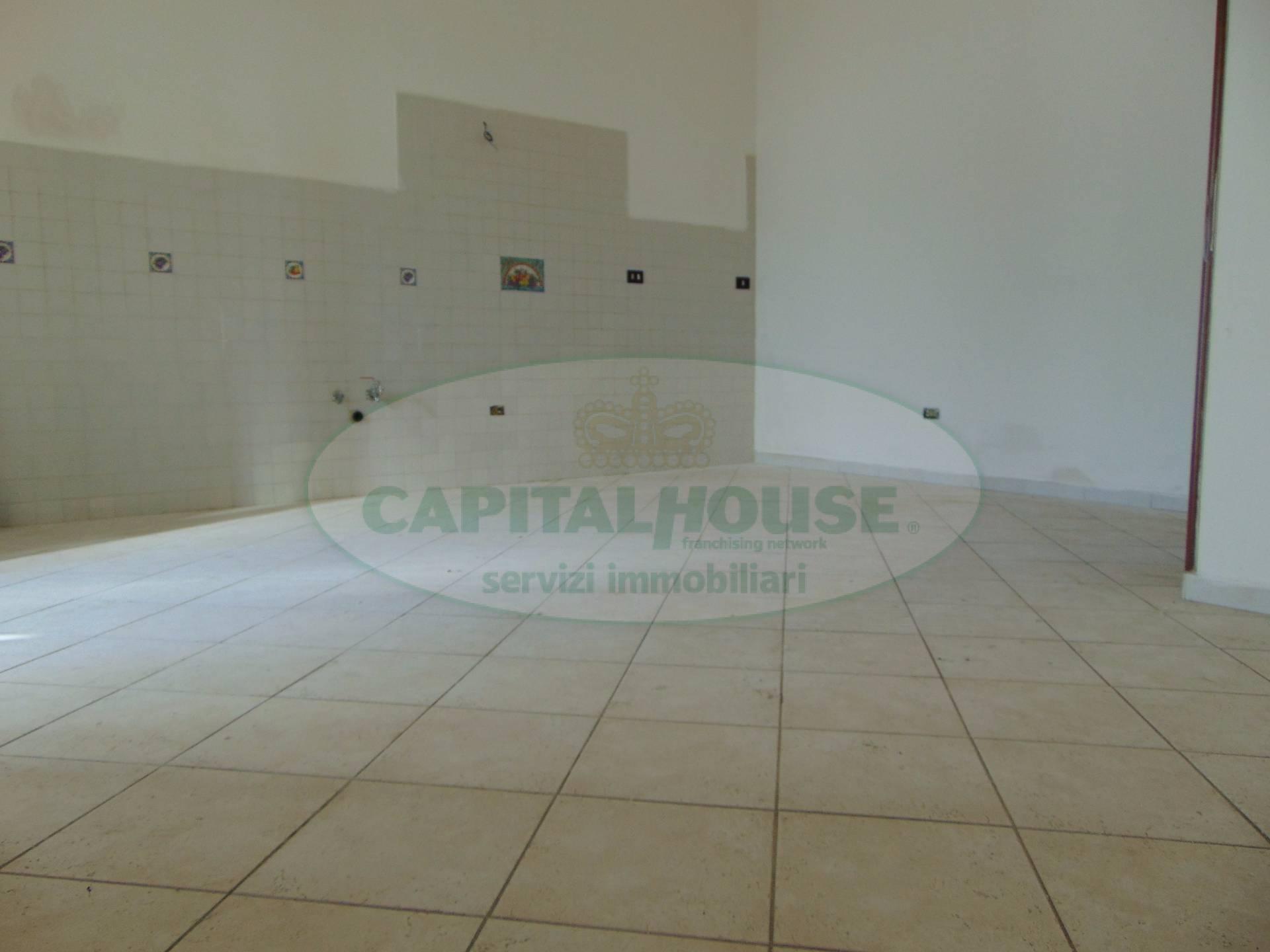 Appartamento in vendita a San Tammaro, 3 locali, prezzo € 38.000 | CambioCasa.it