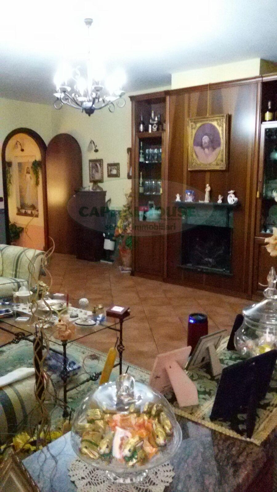 Soluzione Semindipendente in vendita a Portico di Caserta, 9 locali, prezzo € 170.000 | CambioCasa.it