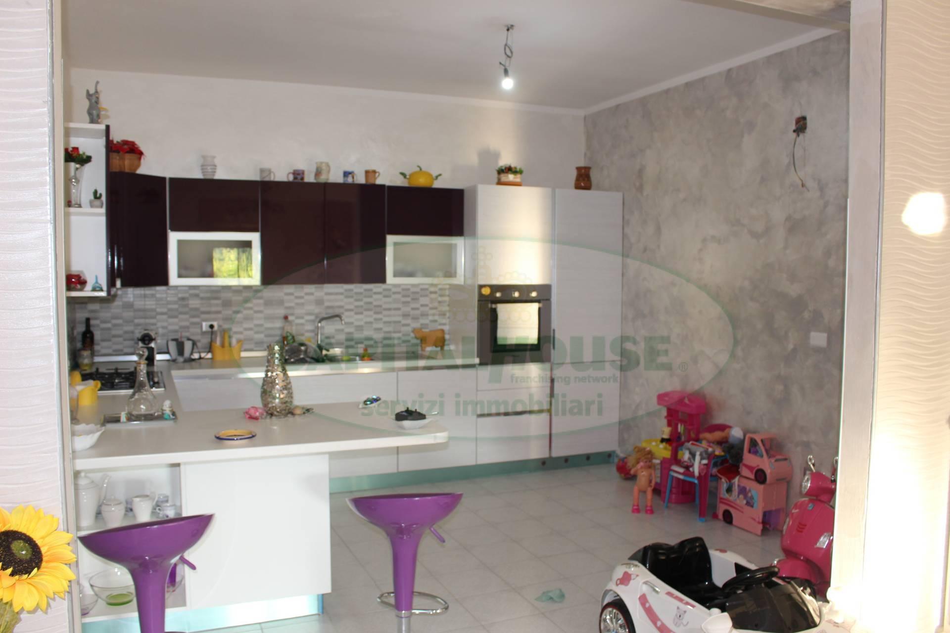 Villa in Vendita a Altavilla Irpina: 5 locali, 15 mq - Foto 2