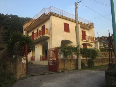 Vai alla scheda: Casa indipendente Vendita - Lauro (AV) - Rif. 8083