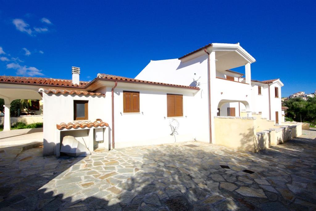 Casa budoni appartamenti e case in vendita a budoni for Budoni vendita case