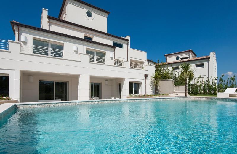 Villa in affitto a Riccione, 7 locali, zona Località: PRIMACOLLINA, Trattative riservate | CambioCasa.it