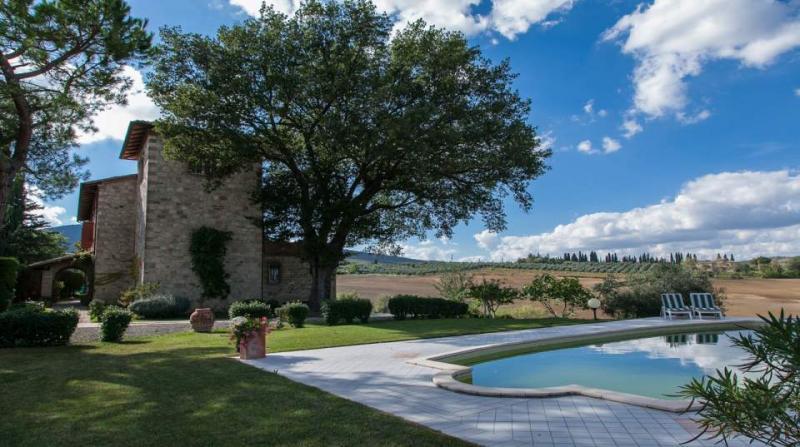 Villa in vendita a Sarteano, 14 locali, prezzo € 1.250.000 | CambioCasa.it