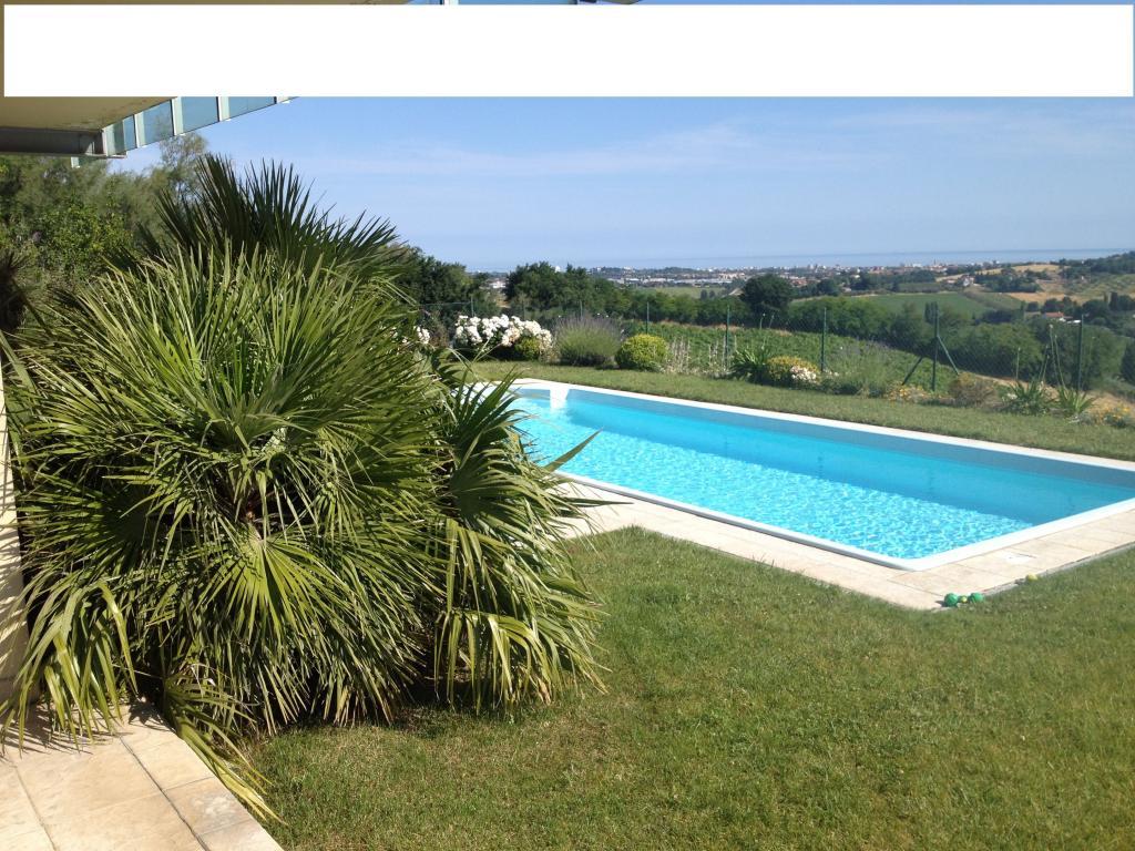 Villa in vendita a Tavullia, 6 locali, prezzo € 799.000   CambioCasa.it