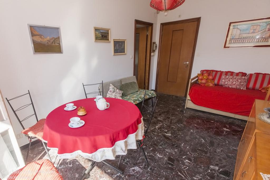 Bilocale Rapallo Via Castruccio 4