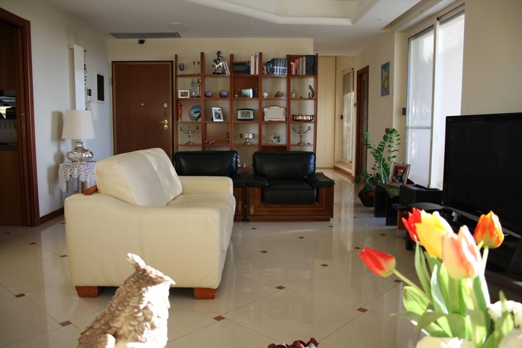 Bilocale Bari Via Fanelli 3