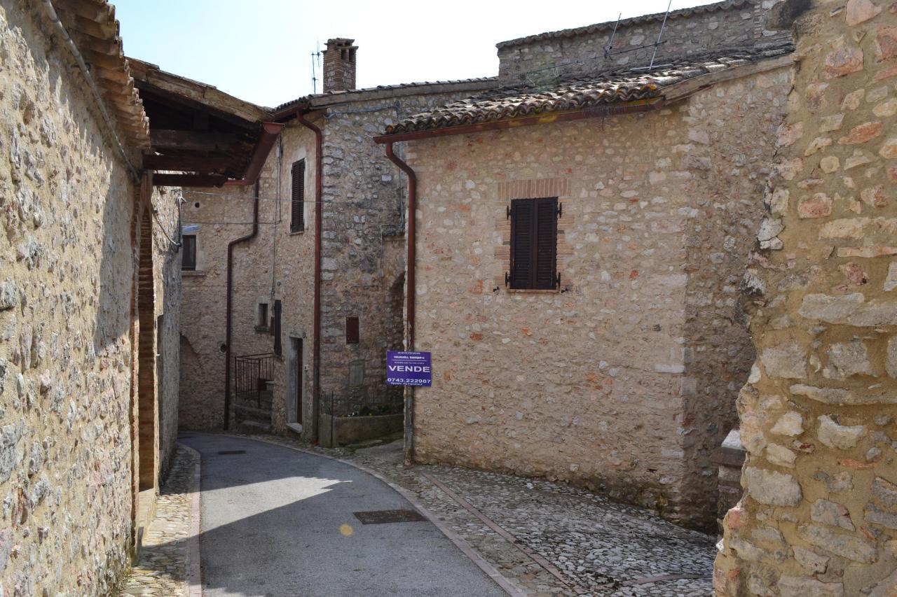 Altro in vendita a Vallo di Nera, 2 locali, zona Zona: Meggiano, prezzo € 35.000   CambioCasa.it