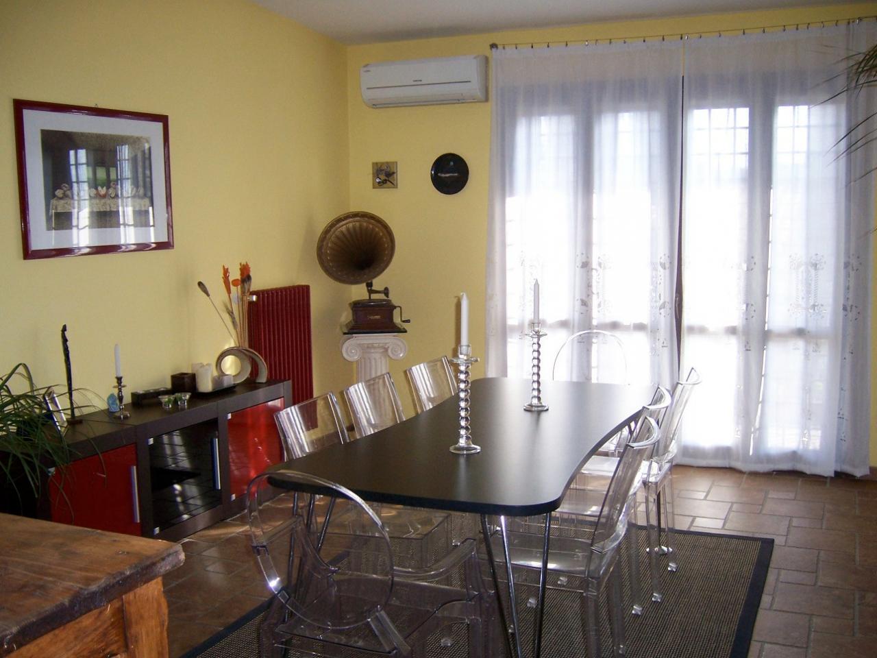 Villa in vendita a Sacrofano, 6 locali, prezzo € 430.000 | Cambio Casa.it