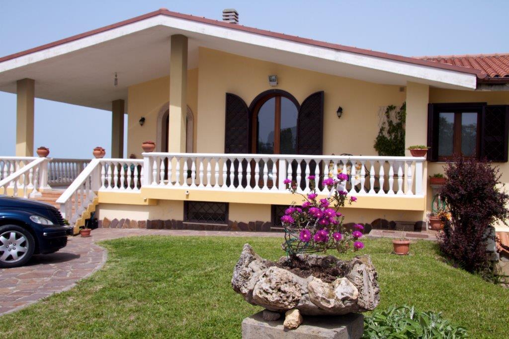 Villa in vendita a Marino, 14 locali, zona Località: MarinoCentro, prezzo € 899.000 | CambioCasa.it