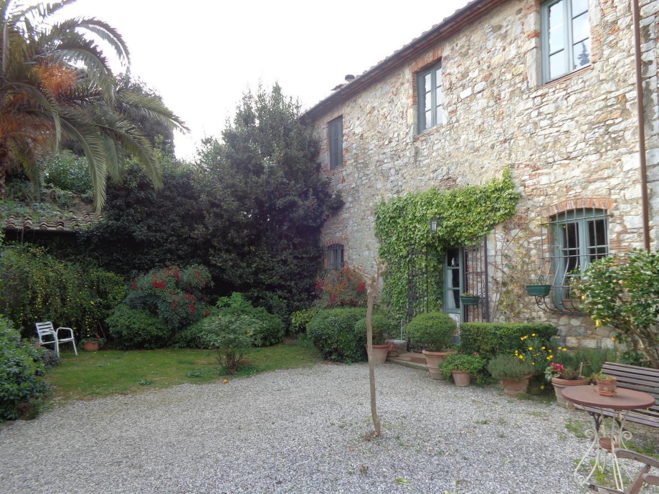 Rustico / Casale in vendita a Massarosa, 16 locali, zona Zona: Compignano, prezzo € 2.000.000 | Cambio Casa.it