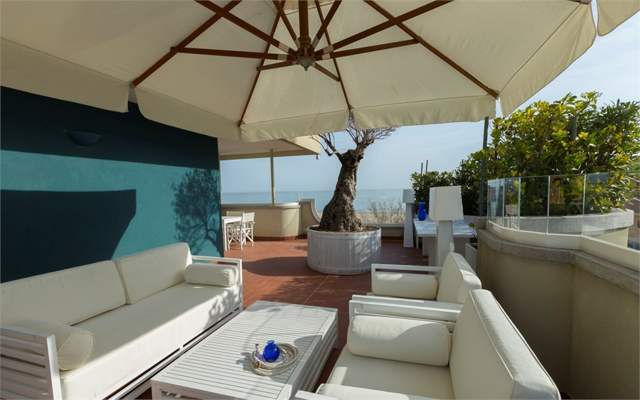 Appartamento in affitto a Riccione, 4 locali, zona Località: ALBA, Trattative riservate | CambioCasa.it